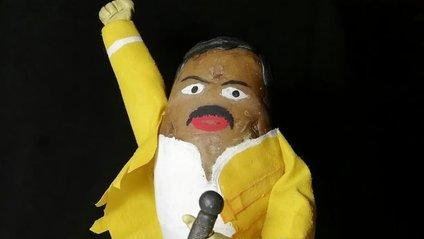 Білорус створює кумедні фігури зірок з картоплі: веселі фото - фото 1