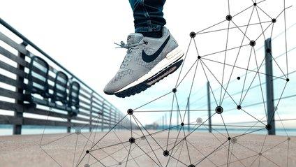Nike запатентувала блокчейн-сумісні кросівки - фото 1