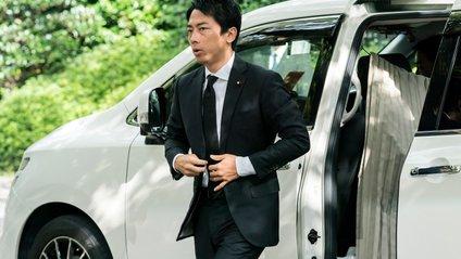 Японський міністр уперше став батьком - фото 1