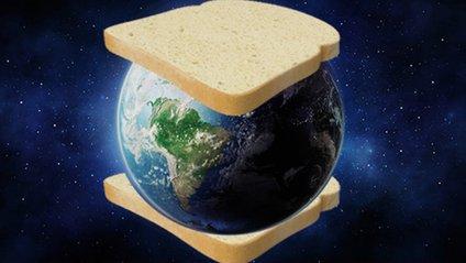 12 700 км начинки: іспанець і новозеландець зробили сендвіч з Землею (фотофакт) - фото 1