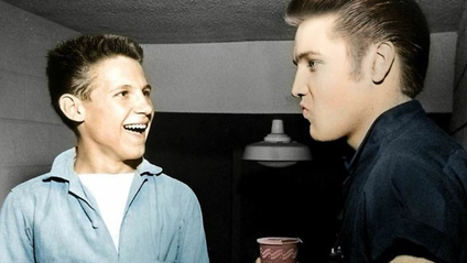 """""""Мій дідусь з Елвісом Преслі, 1950-і"""" - фото 1"""