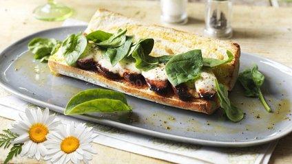 Бутерброд зі шпинатом - фото 1