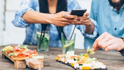 А на ваші вподобання в їжі впливають пости друзів? - фото 1