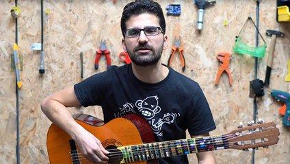 На створення гітари чоловіка надихнув його син - фото 1