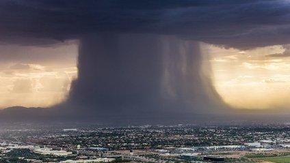 В Австралії зняли унікальну дощову бурю: вражаюче відео - фото 1