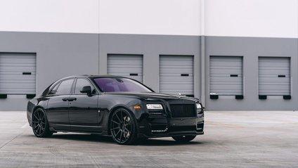 Rolls-Royce Ghost випускають з 2009 року - фото 1