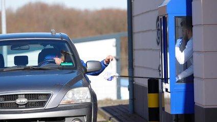 Corona Drive In: у Швейцарії з'явилися кіоски з експрес-тестами на COVID-19 - фото 1