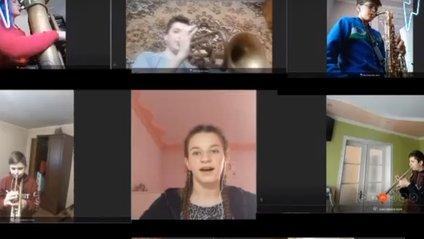 Учні музичної школи показали своє онлайн-заняття: вражаюче відео - фото 1