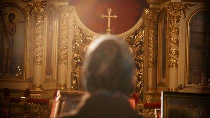 Священник провів службу онлайн, але випадково увімкнув віртуальні маски: курйозне відео - фото 1