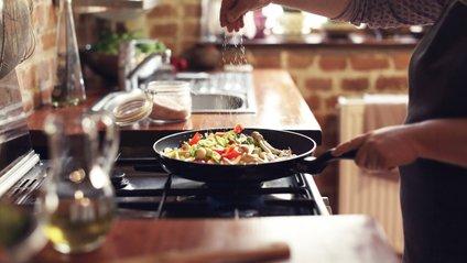 Джеймі Олівер навчить готувати з простих продуктів - фото 1