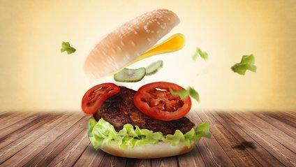 Бургер можна приготувати вдома - фото 1