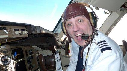 Пілот придумав, як розважитися під час карантину: кумедне відео - фото 1