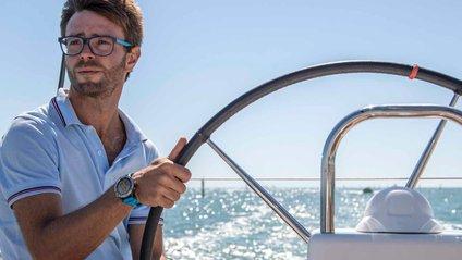 Годинник дозволяє навіть керувати човном - фото 1
