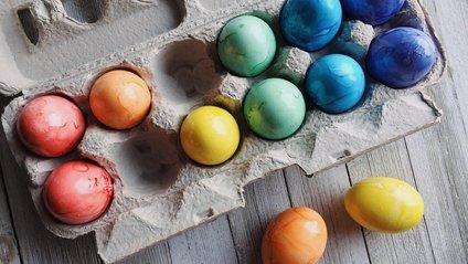 Як пофарбувати яйця вдома - фото 1