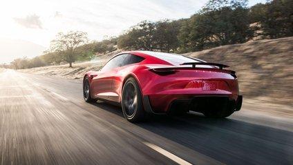 Маск розповів, що Tesla Roadster не у пріоритеті компанії - фото 1