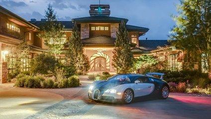 У США продається вілла з гаражем на 100 авто - фото 1