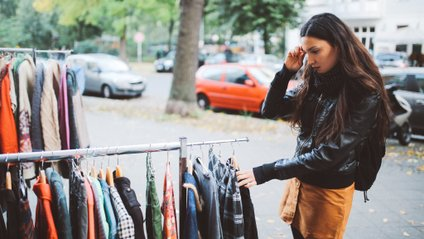 Покоління Z віддає перевагу одягу з секонд-хендів - фото 1