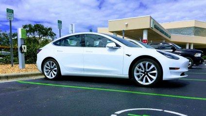 Tesla - фото 1