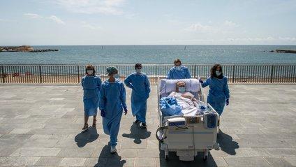 Лікарі возять пацієнтів на узбережжя - фото 1