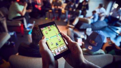 Чоловіки vs жінки: хто грає більше у мобільні ігри - фото 1