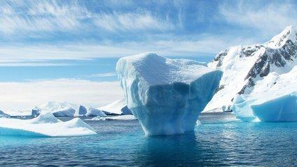 Падіння айсберга - фото 1