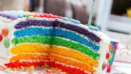 Відео зі святковим тортом підкорило Reddit - фото 1