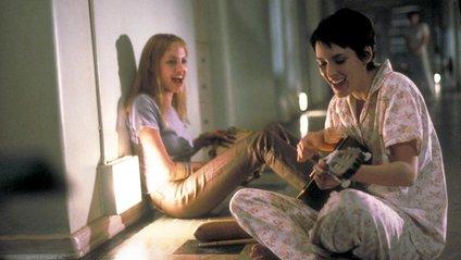 """Анджеліна Джолі та Вайнона Райдер у стрічці """"Перерване життя"""" - фото 1"""