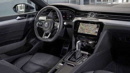 Volkswagen Arteon покажуть 24 липня онлайн - фото 1