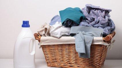 Як правильно додавати рідкий порошок в пральну машину: лайфхак здивував мережу - фото 1