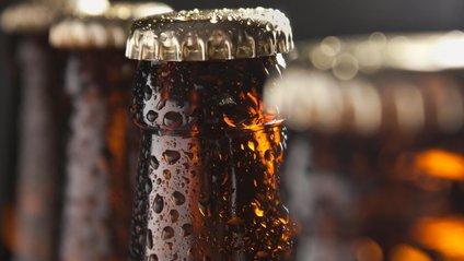 Учені розповіли, як найшвидше охолодити пиво і вино в спеку - фото 1