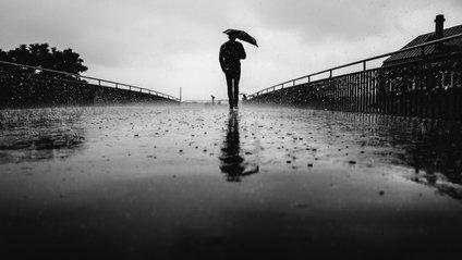 Парасоля Xiaomi захищає не лише від дощу - фото 1