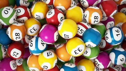 Касирка продала йому білет іншої лотереї - фото 1