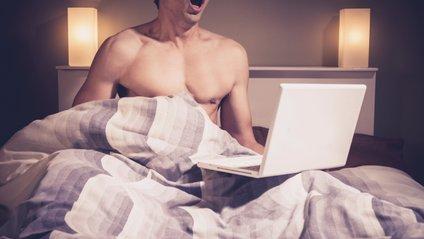 Науковці перевірили вплив перегляду порно на ерекцію - фото 1