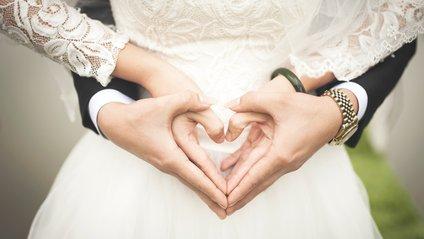 Ранній шлюб може стати причиною зловживання алкоголем - фото 1