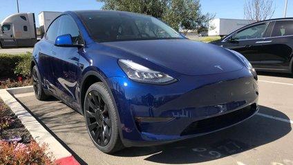 Tesla Model Y - фото 1