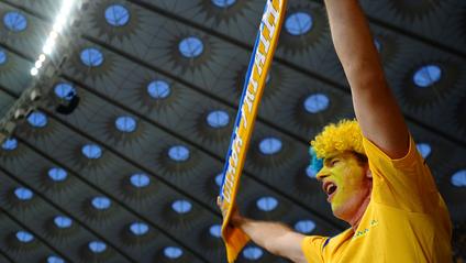 Вболівальники повертаються на трибуни стадіонів! - фото 1