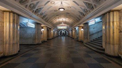 Наче зомбі-апокаліпсис: у мережі показали відео з метро Києва під час відключення світла - фото 1