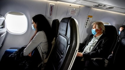 Названо головний спосіб захисту від хвороб на борту літака - фото 1
