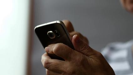 Використання інтернету позитивно впливає на старше покоління - фото 1