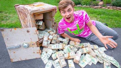 Чоловік знайшов на парковці 4 тисячі доларів: його реакція вразила мережу - фото 1