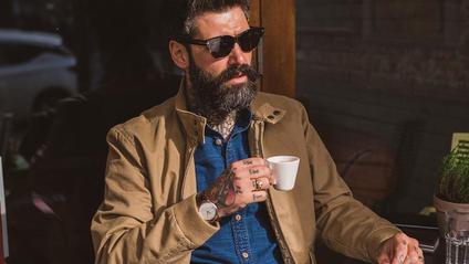 Чоловік не голив бороду 10 років - фото 1