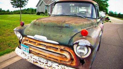 Старий пікап Chevrolet повернувся через 44 роки у свою першу сім'ю - фото 1