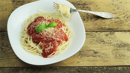 Веселий спосіб їсти спагеті - фото 1
