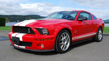 Ford Mustang Shelby GT500 - фото 1