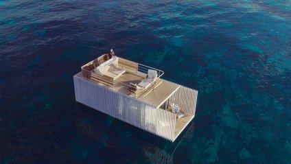 Готель плаває посеред моря - фото 1