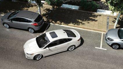 Водій показав верх майстерності паралельного паркування, від якого холоне кров у жилах - фото 1