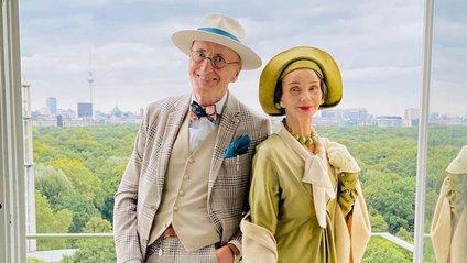 Активна пара пенсіонерів захоплює мережу своїми стилем життя та модними образами - фото 1