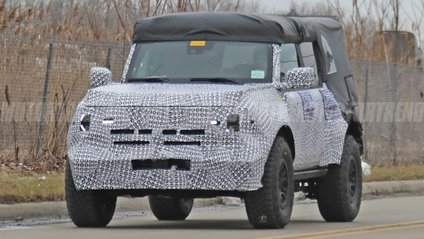 Ford Bronco Raptor - фото 1