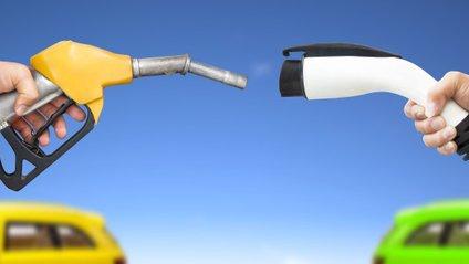 Електромобілі та авто з паливом порівняли за вартістю ремонту і обслуговування - фото 1