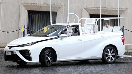 Toyota Mirai – новий папомобіль - фото 1